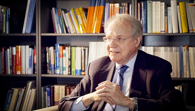 Professor Burkhard Goeschel